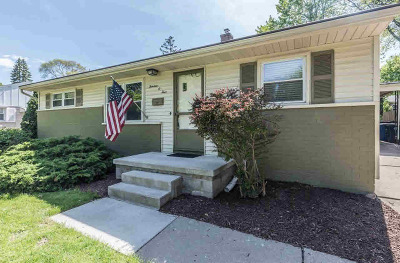 Washtenaw County Single Family Home Contingent - Financing: 1304 Kay Pkwy