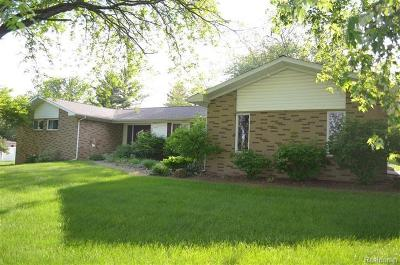 Washtenaw County Single Family Home For Sale: 8470 Crestshire Dr