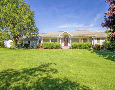 Single Family Home For Sale: 9802 Case Rd