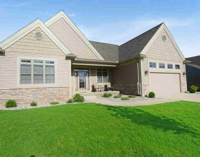 Grass Lake Single Family Home Contingent - Financing: 3618 Deer Field Ct