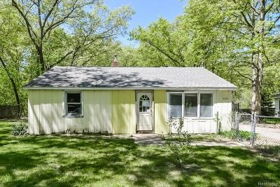 Single Family Home For Sale: 2225 Ewing Rd