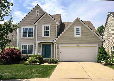 Washtenaw County Single Family Home Contingent - Financing: 3237 Buckhorn Court