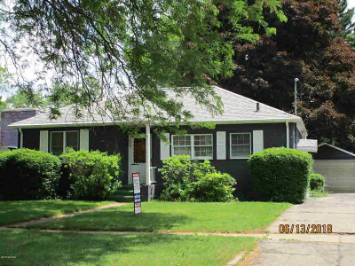 Albion Single Family Home For Sale: 930 N Monroe St