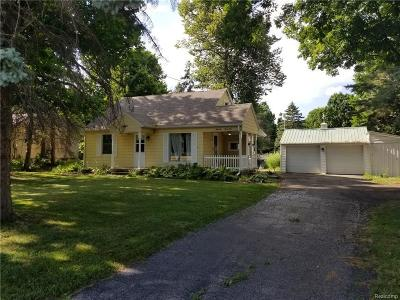 Lansing Single Family Home For Sale: 5524 W Willow Hiwy