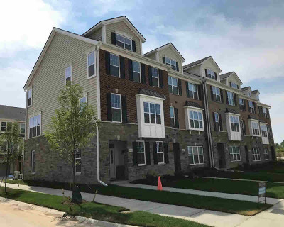 Ann Arbor Condo/Townhouse For Sale: 2805 Rathmore Ln