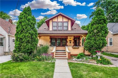 Lansing Single Family Home For Sale: 1208 Lenore Ave