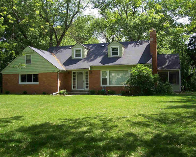 Ann Arbor Single Family Home For Sale: 2483 Dayton Dr