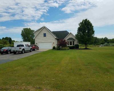 Washtenaw County Single Family Home Contingent - Financing: 9980 Charleston