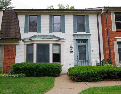Ann Arbor Condo/Townhouse For Sale: 3340 Alpine Dr