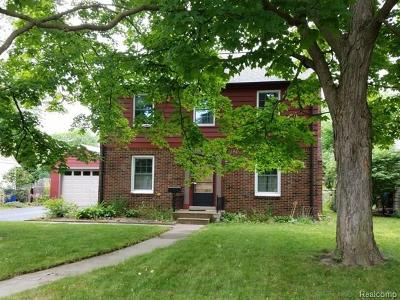 Ann Arbor Single Family Home For Sale: 1407 E E Stadium Blvd