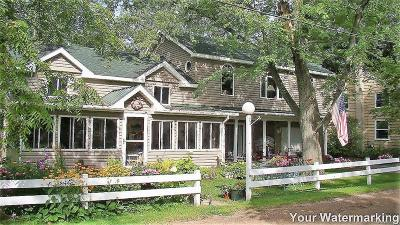 Brooklyn Single Family Home For Sale: 72 Oak Crt