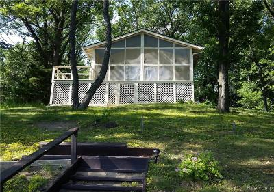 Single Family Home For Sale: 11485 Mackinac Path S