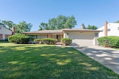 Southfield Single Family Home For Sale: 30350 Old Stream St