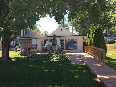 Crooked Lake Sub Single Family Home For Sale: 3835 Highcrest Dr