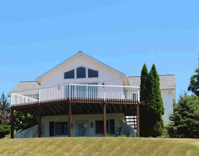 Single Family Home For Sale: 8694 Clinton Rd