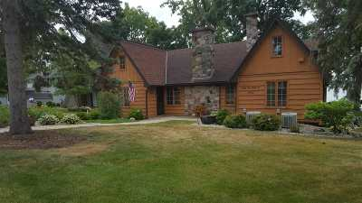 Single Family Home For Sale: 8962 Cherry Point Rd