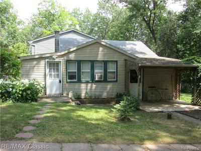 Milford Single Family Home For Sale: 3057 Hillside Dr