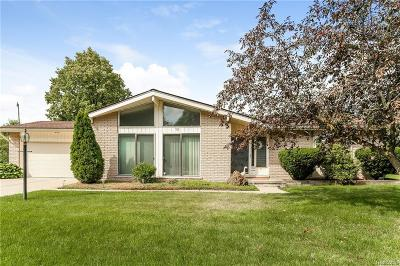 Livonia Single Family Home For Sale: 36361 Vargo St