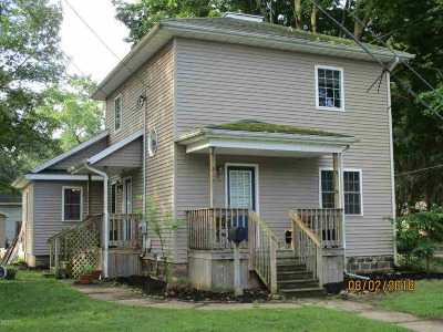 Albion Single Family Home For Sale: 517 Crandall St