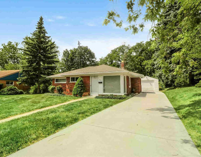 Washtenaw County Single Family Home For Sale: 1037 Morningside Dr