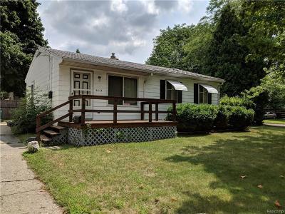 Lansing Single Family Home For Sale: 3513 S Deerfield Ave