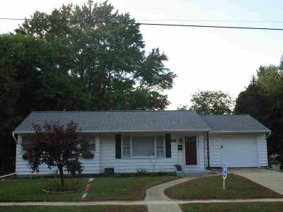 Albion Single Family Home For Sale: 1007 Burr Oak St