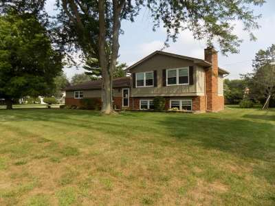 Single Family Home For Sale: 105 Sunset