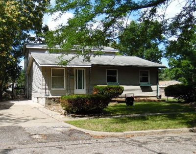 Single Family Home For Sale: 866 Madison St
