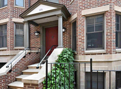 Ann Arbor Condo/Townhouse For Sale: 171 Ashley Mews Dr