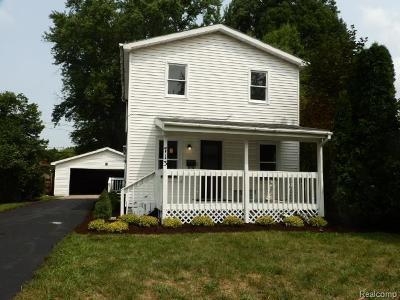 Lansing Single Family Home For Sale: 713 Fenton St