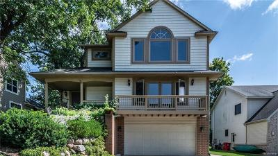 Milford Single Family Home For Sale: 934 E Liberty St