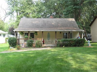 Single Family Home For Sale: 1861 Portlock Ave