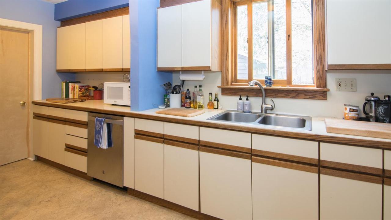 Sunnywood Vine Estate Kitchen Cabinets - Kitchen Appliances ...