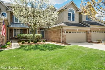 Northville Condo/Townhouse For Sale: 44873 Broadmoor Circle