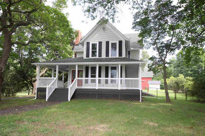 Single Family Home For Sale: 14086 Curtis Rd