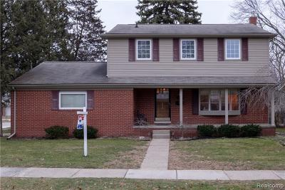 Livonia Single Family Home For Sale: 14392 Hubbard St