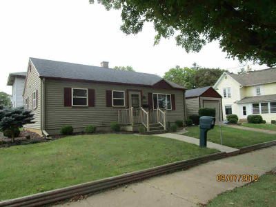 Albion Single Family Home For Sale: 805 N Superior St