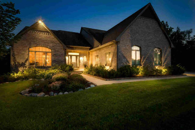 Washtenaw County Single Family Home Contingent - Financing: 10502 River Edge Trl