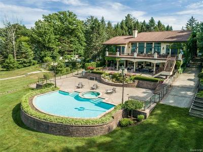 West Bloomfield Single Family Home For Sale: 2898 Walnut Lake Rd