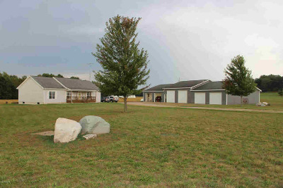 Hillsdale County Single Family Home For Sale: 10189 Concord Rd