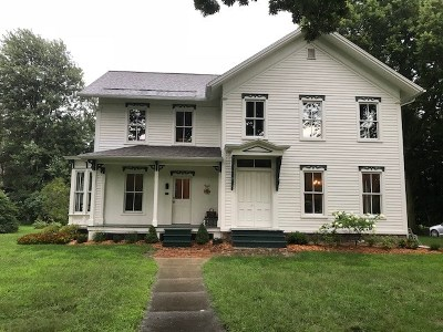Single Family Home For Sale: 122 N Lane
