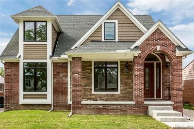 Oak Park Single Family Home For Sale: 14471 Borgman St