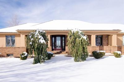 Single Family Home For Sale: 1600 Wolf Lake Rd