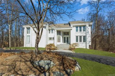 West Bloomfield Single Family Home For Sale: 7028 Lakemont Cir