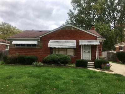Oak Park Single Family Home For Sale: 21820 Kipling St