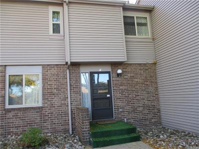 Lansing Condo/Townhouse For Sale: 6003 Montevideo Dr