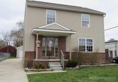 Oak Park Single Family Home For Sale: 22191 Ridgedale St