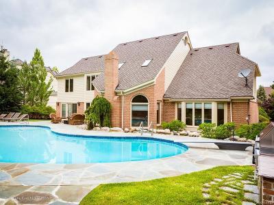 Farmington Hill Single Family Home For Sale: 37855 Turnberry