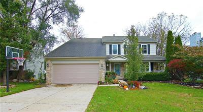 Milford Single Family Home For Sale: 696 Oak View Ln