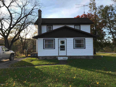 Hillsdale Single Family Home For Sale: 3871 W Bacon Rd